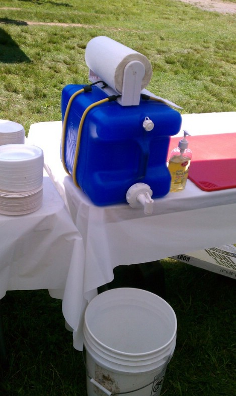 diy hand washing station, camping hygiene, backpacking hygiene