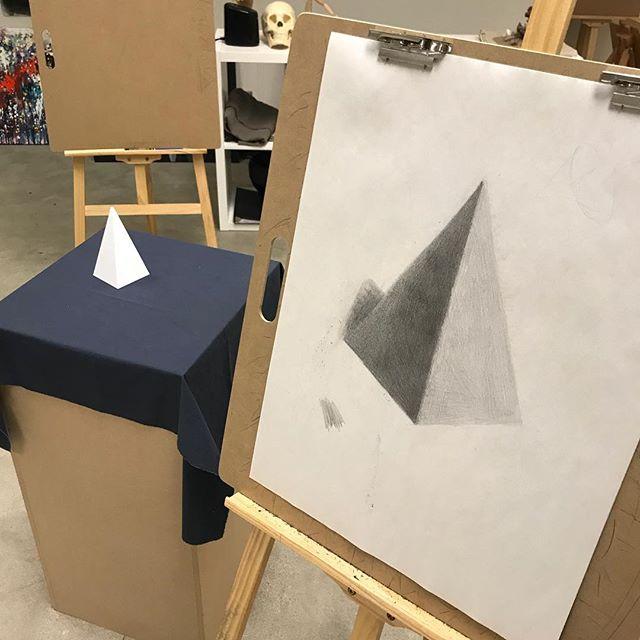 Art 200 - geomeetry shape pencil drawing [pyramid] . . #artclass #pencildrawing #pasadena #glendale #sangabriel #sanmarino #southpasadena #lacrescenta #lacanada