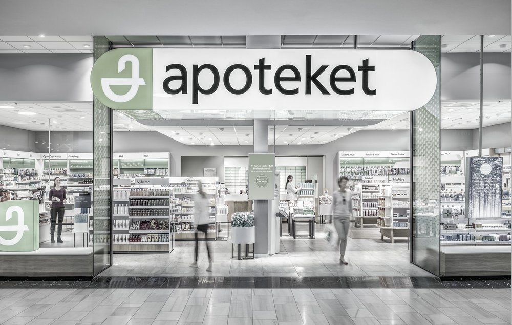 Apoteket  ➞ Largest pharmacy chain in Sweden, owned by the Swedish government. Nationwide coverage and a large range of OTC, beauty, and also Rx items. 400 stores, 3000 employees, $2.1Bn turn over in 2017.