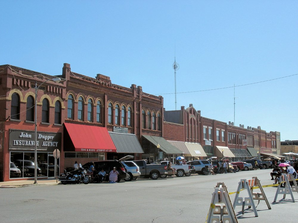 Downtown Anadarko   By Mdnicholson42 - Own work, CC BY-SA 3.0, https://commons.wikimedia.org/w/index.php?curid=27984842