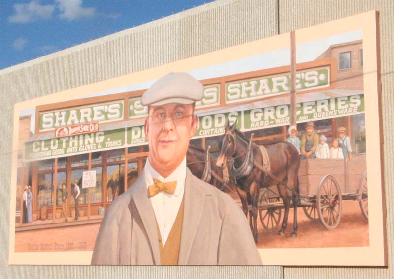 "The ""Charles Share"" mural painted by artist Don Gray under commission from the Alva Mural Society in 2004   CC BY 3.0, https://en.wikipedia.org/w/index.php?curid=14605248"