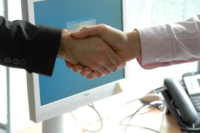 handshake-440959_640.jpg