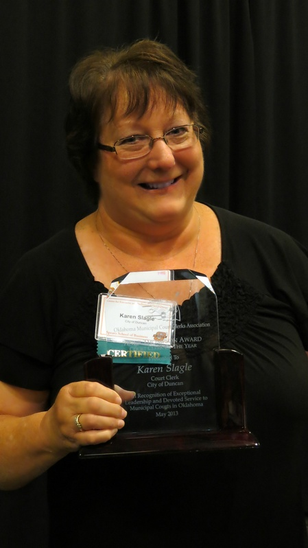 Karen_Slagle-Anne_Thompson_Award.jpg