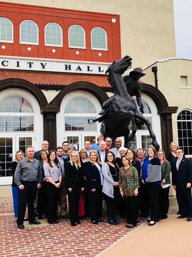 Front row, left to right: Brad Harding, City of Wagoner; Kelsie Willis, OMAG; Cheryl Adams, OML; Leisa Haynes, City of Rio Communities, New Mexico; Heather Brothers, City of El Reno; Rhonda Hash, City of Wagoner; Lindy Clay, OWRB; Second Row: Suzie Paulson, OMAG; Dorie Spitler, OMAG; Taylor Tannehill, City of Wagoner; Holly Gordon, Gateway to Prevention and Recovery; LaCosta Rawls, Town of Earlsboro; Josh VanDeburgh, City of Weatherford; Tracey Taylor, Town of Ochelata; April Bradbury, OML; Paula Puckett, City of Altus; Tamara Vickrey, City of El Reno; Katie Gore, City of El Reno; Jeff Knapp, City of Bethany. Back row: Paul Weigl, OG&E, Dustin Scott, City of Marietta; Dave Andren, City of Mangum; Cody Roe, City of Mangum; Ricky Burch, City of Elk City; Tim Bagby, City of Elk City.