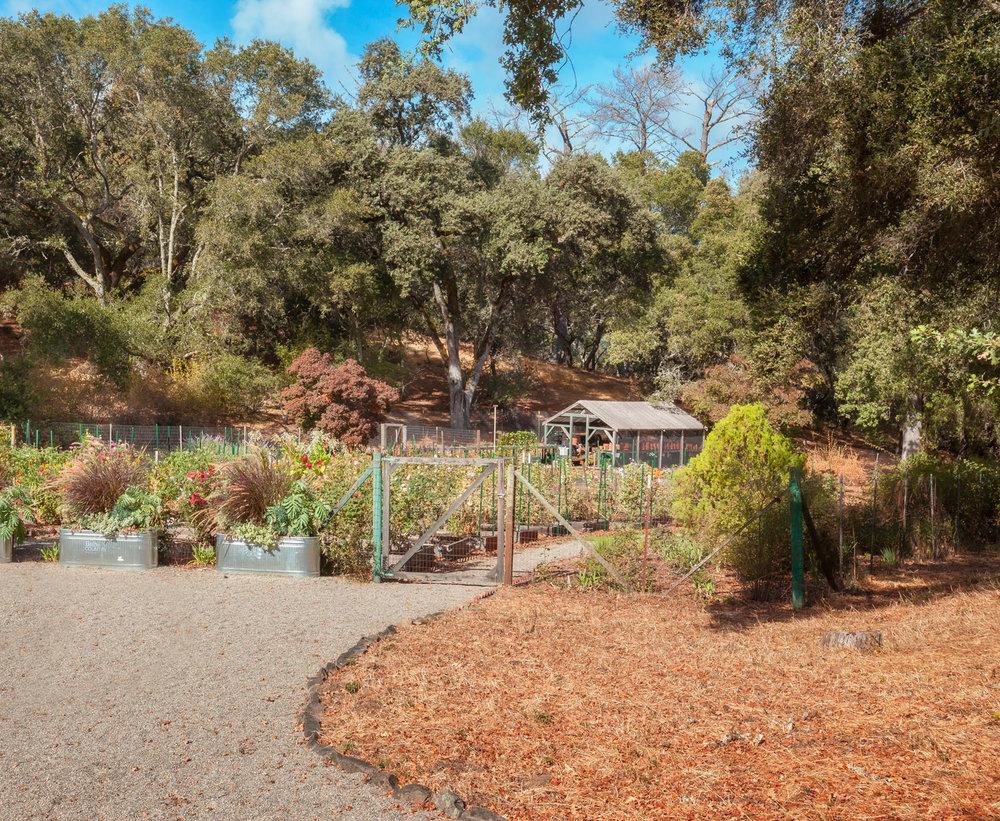 greengables-italy-meets-garden.jpg
