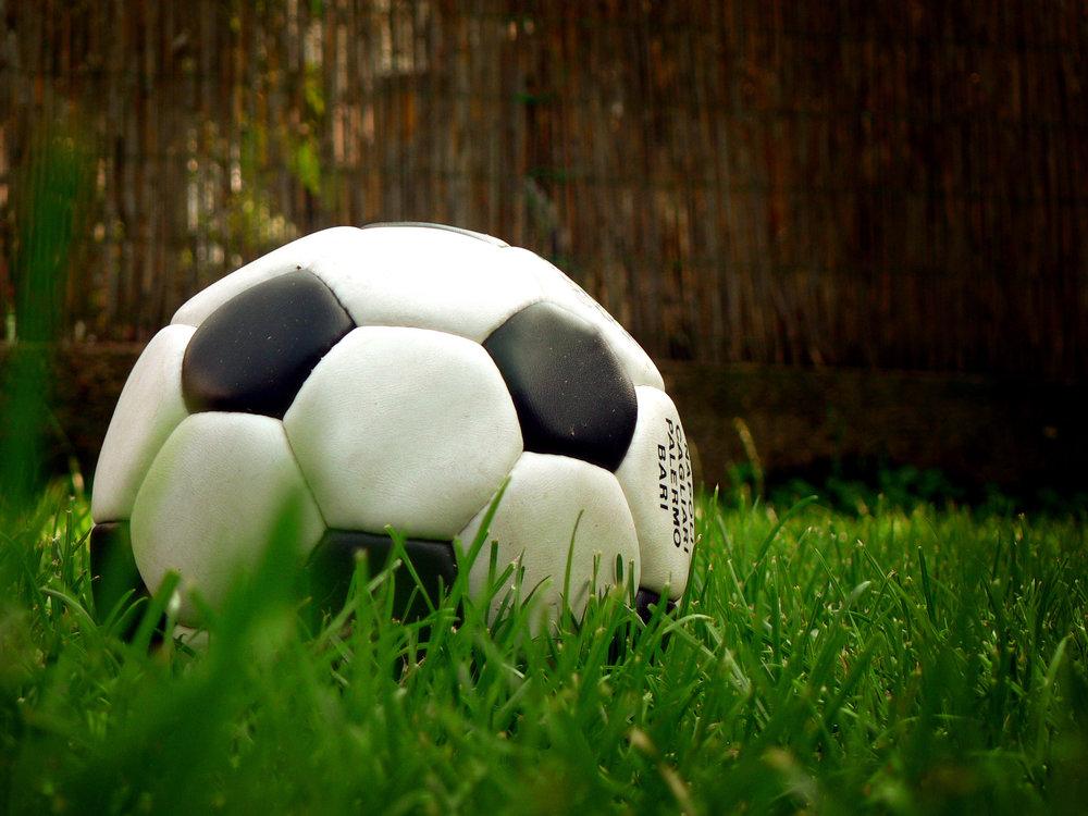 FOOT ET FOI - L'occasion de jouer au foot en salle tout en apprenant plus sur la foi à la mi-temps!