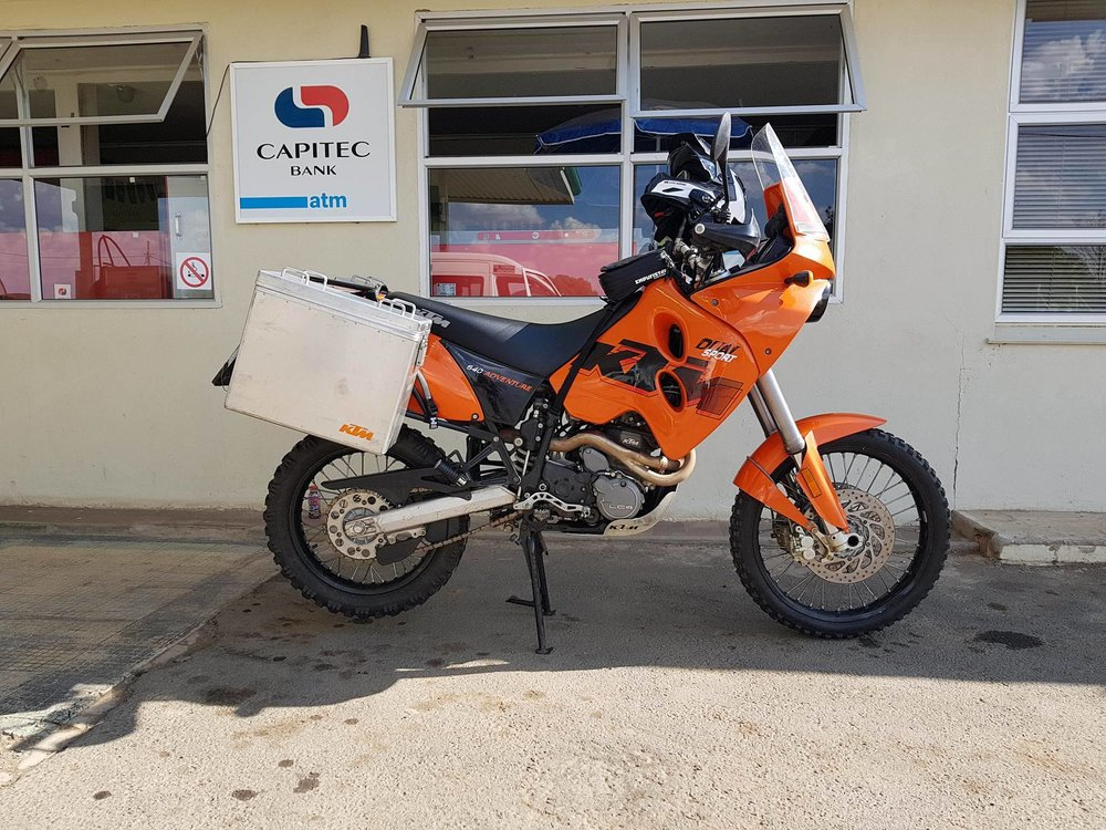 Peter's KTM 640 Adv - Click to see more!