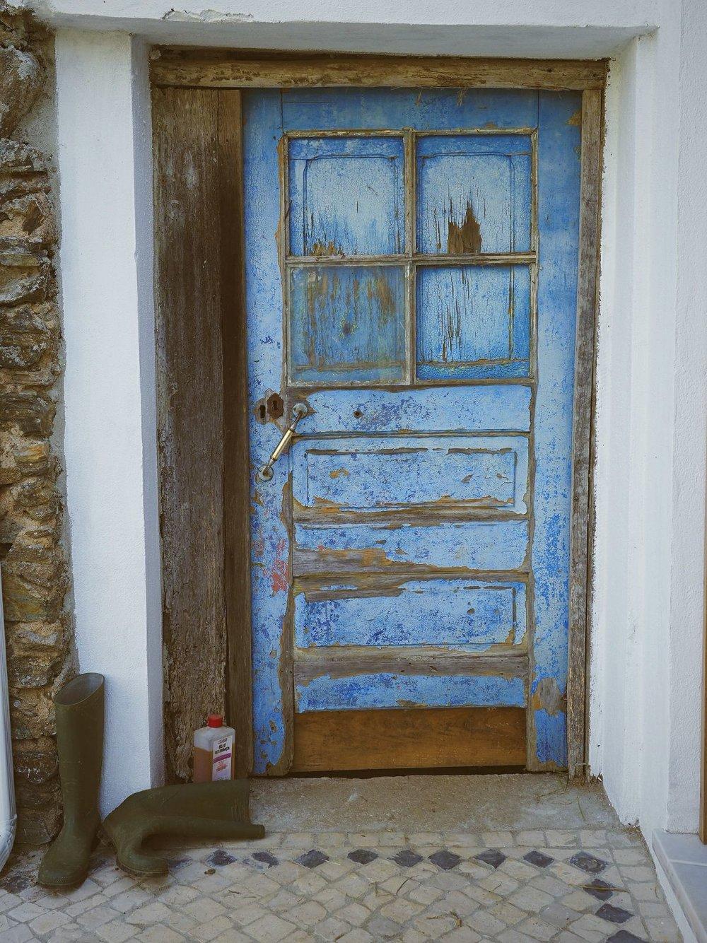 DOOR.jpeg