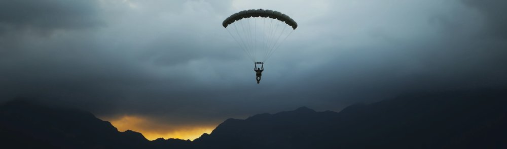 4th_Force_Recon_Jumps_Out_of_Helicopters_in_Hawaii_2015_150610-M-QH615-121_for_website.jpeg