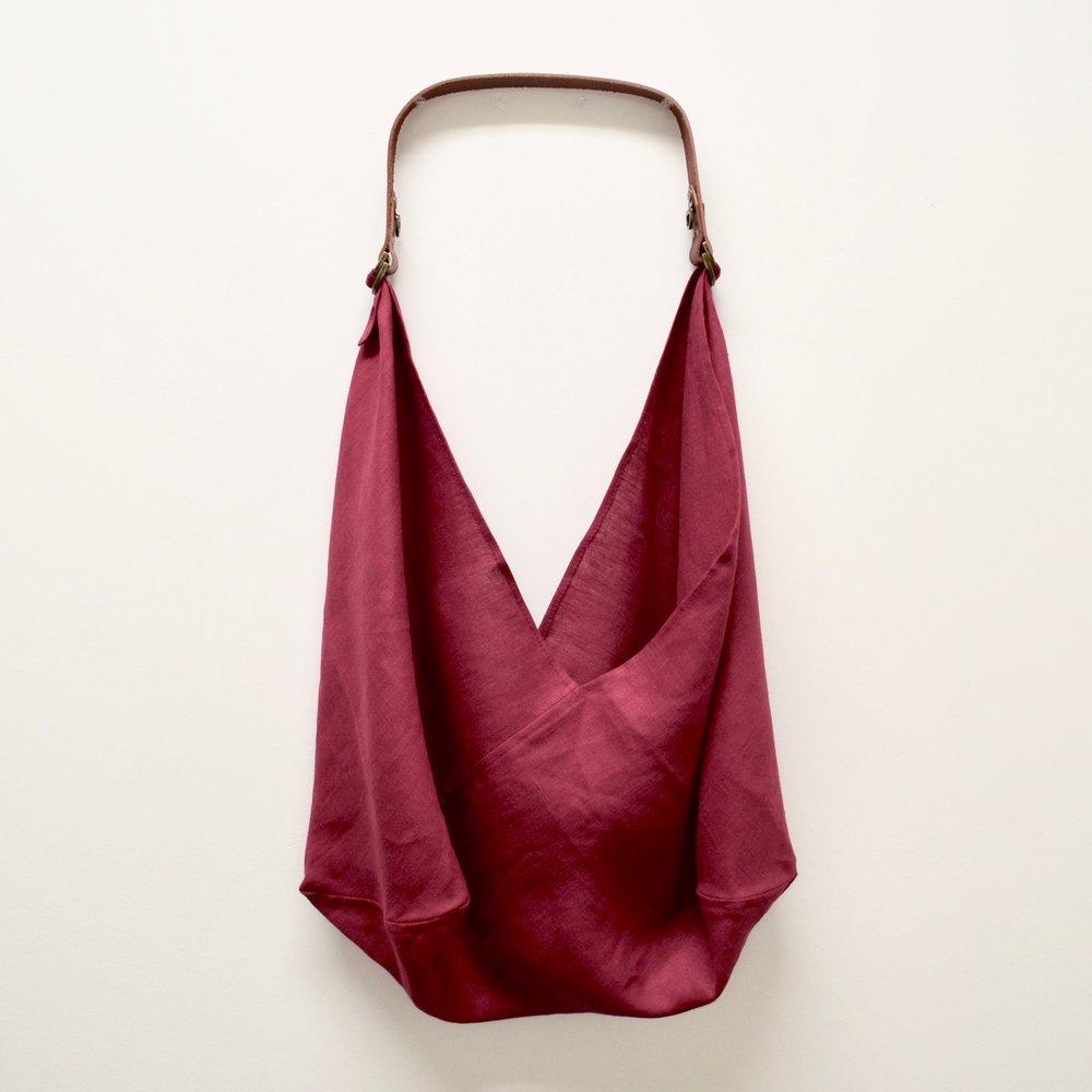 - MEDIUM BAG IN SCARLET W/ ORIGINAL HANDLE IN BROWN