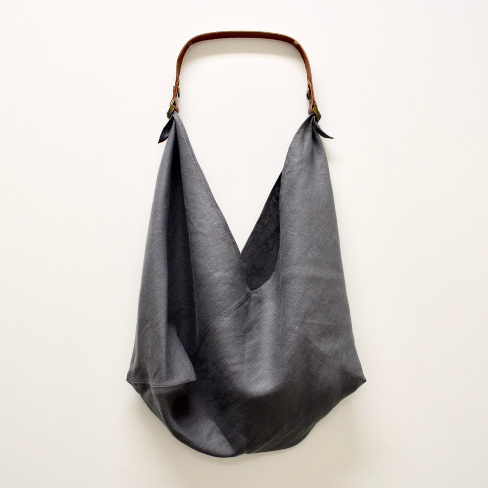 - MEDIUM LINEN BAG IN CHARCOAL W/ ORIGINAL HANDLE IN BROWN