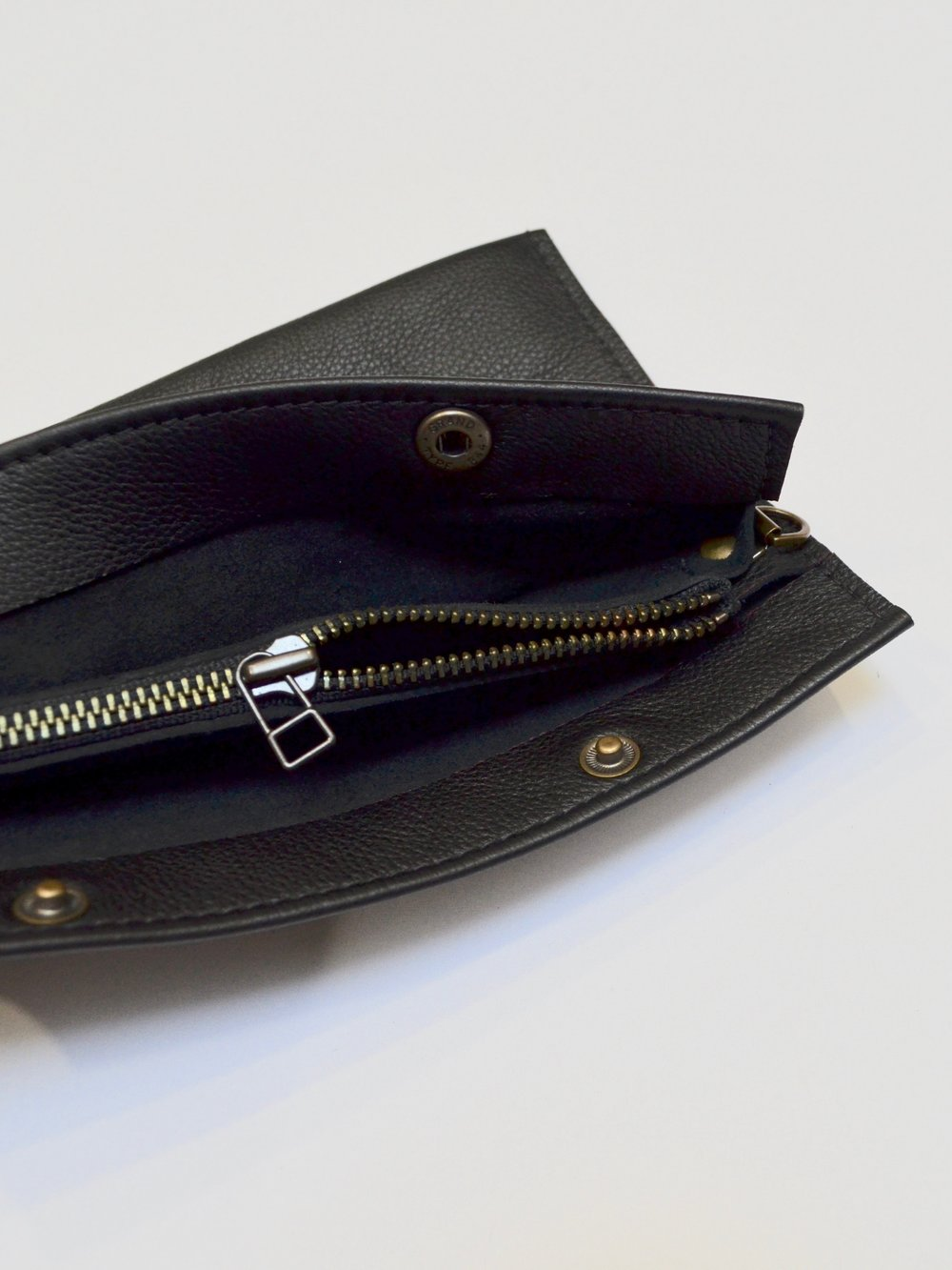- LARGE 3 POCKET POUCH