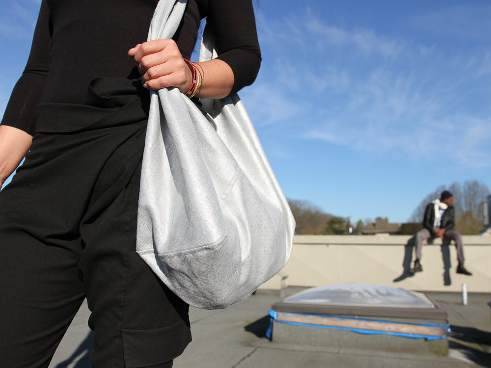 - MEDIUM BAG IN UNICORN SILVER W/ ORIGINAL HANDLE IN BLACK