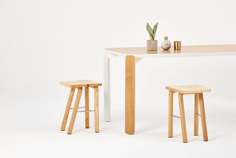 inyard-mendesmacedo-arco-stool-2.jpg