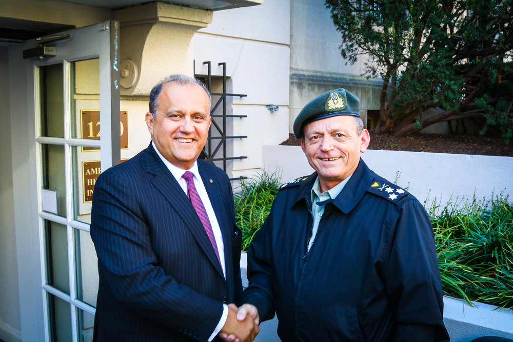 Nick Larigakis and Lt. General Ilias Leontaris.