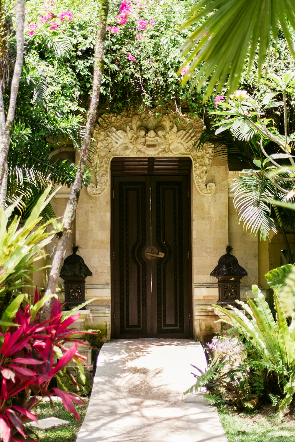 PERSONAL RETREATS - .These retreats are typically held in the magical land of Tulum, Mexico – one of the most beautiful and unique destinations in the world. Known for its lush jungle, pristine beaches and rich legacy of Mayan culture, Tulum is the perfect place to take an immersive dive into the mysticism and science of Tantra and energy work.Personal retreats are special 1-1 experiences, providing the opportunity for in-depth exploration, major transformation and learning. On request, they can also be arranged for pairs or small groups with whom you can share your journey, and can be enjoyed wherever you are in the world.The retreats are comprised of 4 modules, each 3 days long. We encourage you to experience the retreat modules in succession, over the period of a few weeks or months, as the benefits of progressive work are powerful. Each retreat module is designed to build upon the themes and results of previous ones, creating deep shifts in awareness