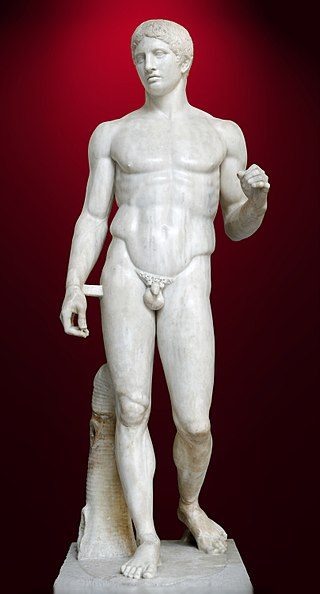 This marble figure possesses a quintessential example of the contrapposto pose. © Ricardo André Frantz  tetraktys ,  (CC BY 2.5)