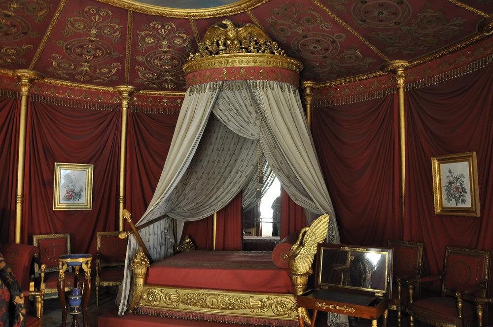 The baldachin over Joséphine de Beauharnais' bed.©Moonik, original image. (CC by SA-3) .