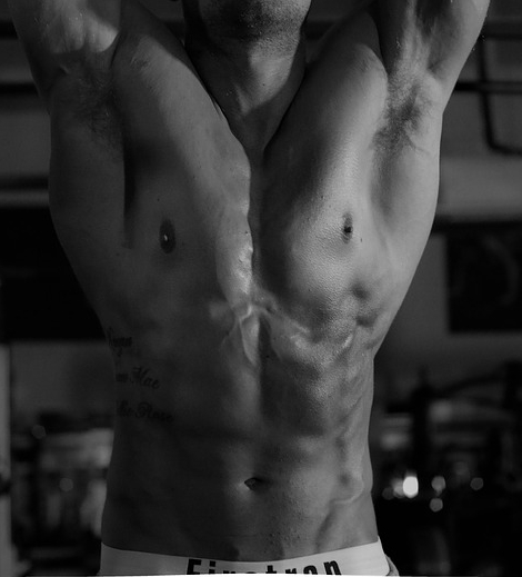 Model-Workout-Muscle-Abs-Gym-Male-2842198.jpg
