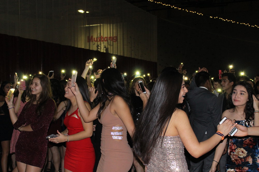 Homecoming turned into a true Festival of Lights as students were encouraged to shine their cellphone flashlights.
