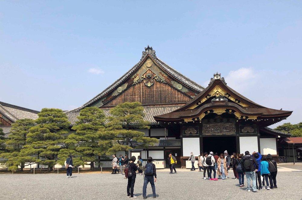 Nijō Castle is a flatlands castle that has been part of Kyoto since 1603.