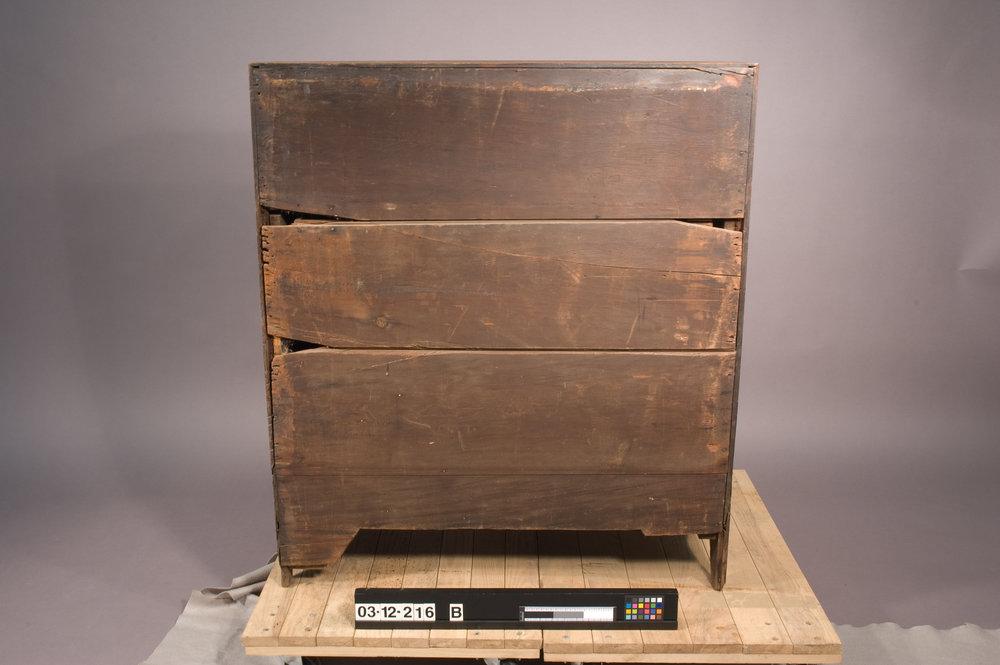 NJ_Desk-02-Before