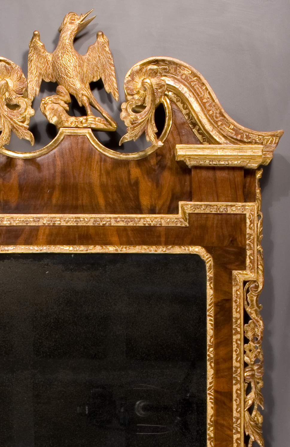 05-AT2-Parcel-Gilt-Looking-Glass-(1)-TR-corner