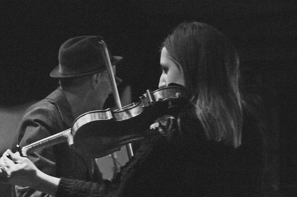 Annie_violinpic.jpg
