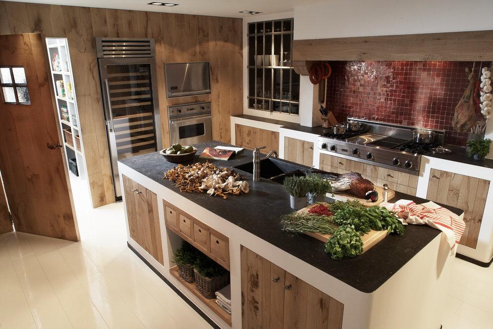 Weelde | Rustieke toonzaal keuken met fazant als decoratie