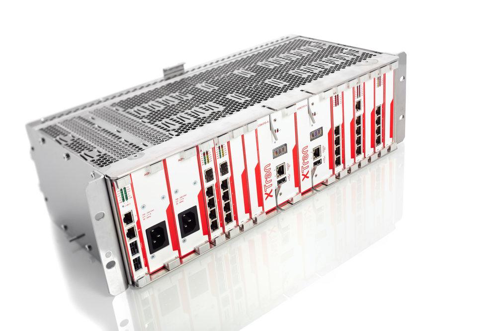 Product foto van hoogtechnologische switch op glanzende ondergrond