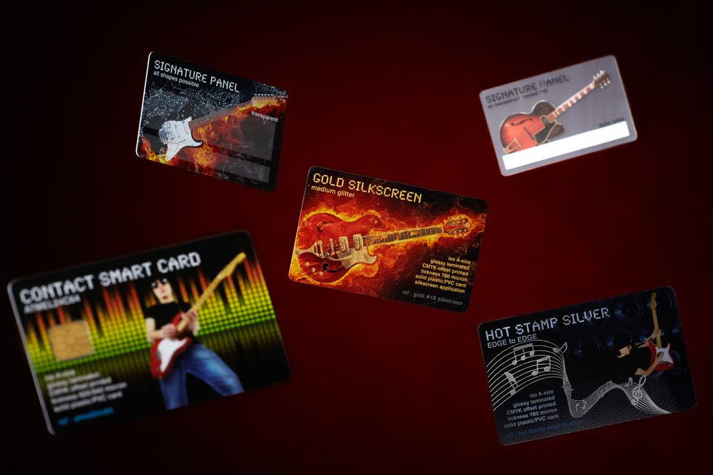 sfeer_plastic-cards_donker_lr.jpg