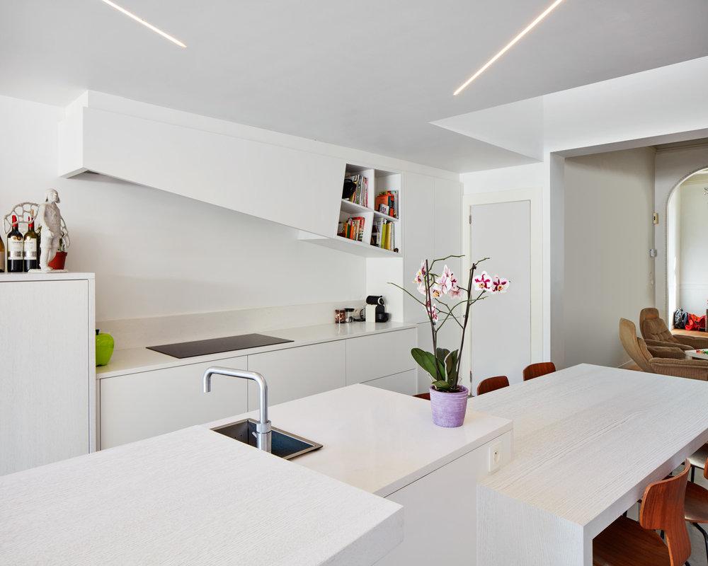 Antwerpen | Interieur van keuken met schuine vormen