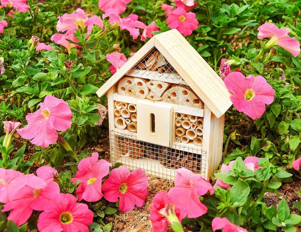Pollinator hotels make great homes for bees.