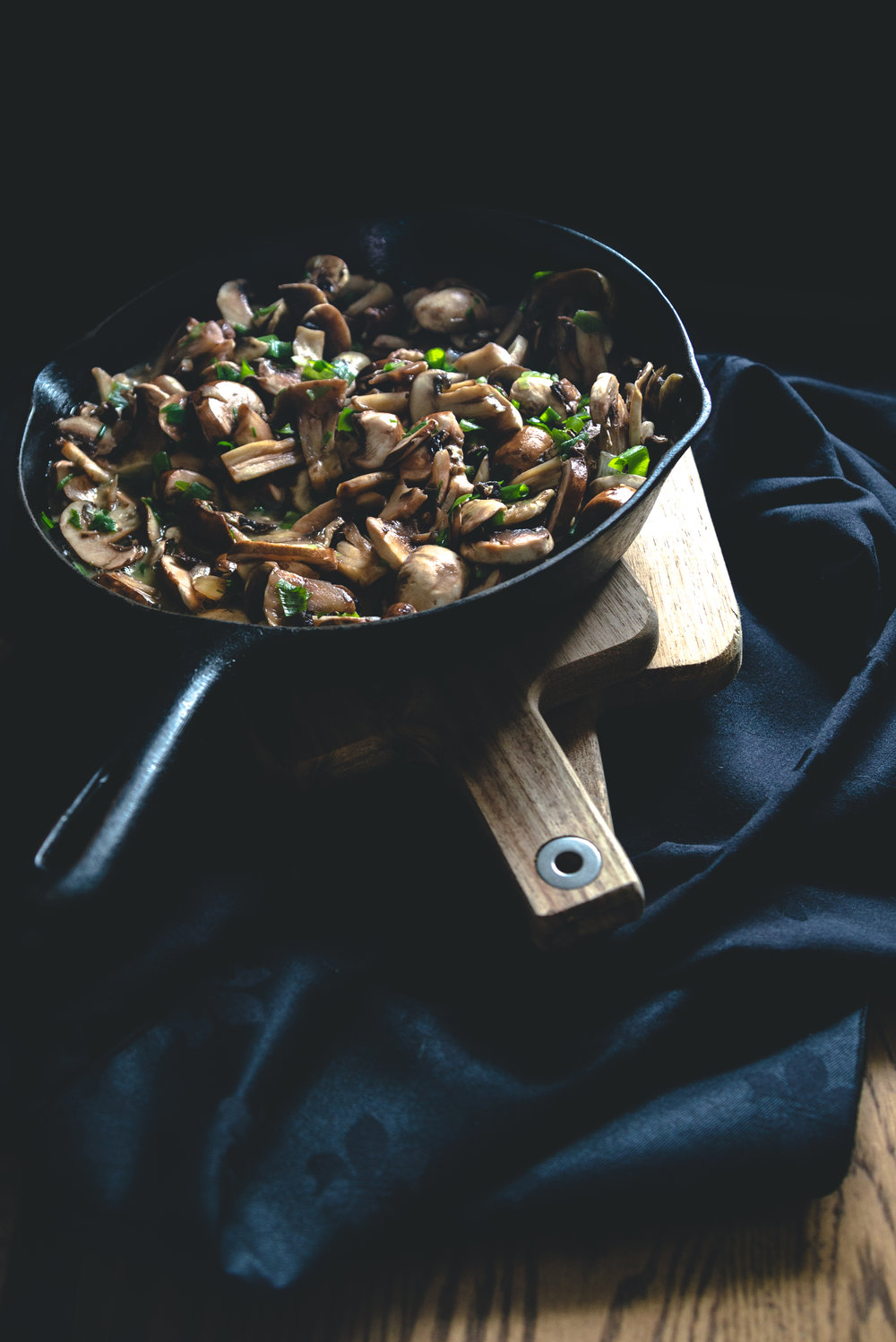 Thyme and a touch of white wine will make mushrooms sing. You can stir these flavorful mushrooms into rice pilaf, omelettes, or pasta.