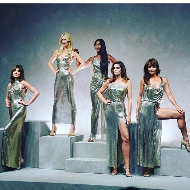 Supermodel tribute! 🙌💕 #versacespring2018 #queens #tribute #supermodel #20yearsago #amazingwomen #parkland #hairbygabrielaandco #goldwellsalon #oxygenbar #southflorida #hairstylist
