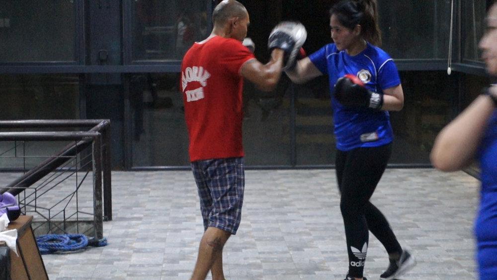 Elorde boxing 2.jpg