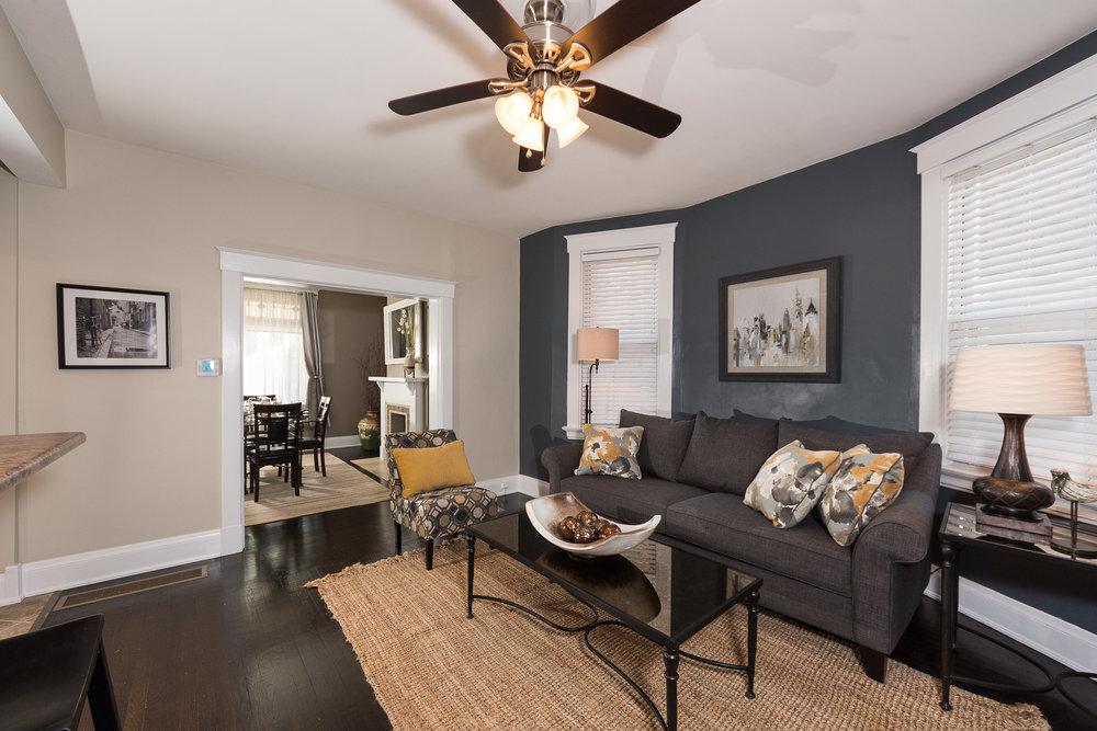 3088 Markbreit Living Room (3).jpg