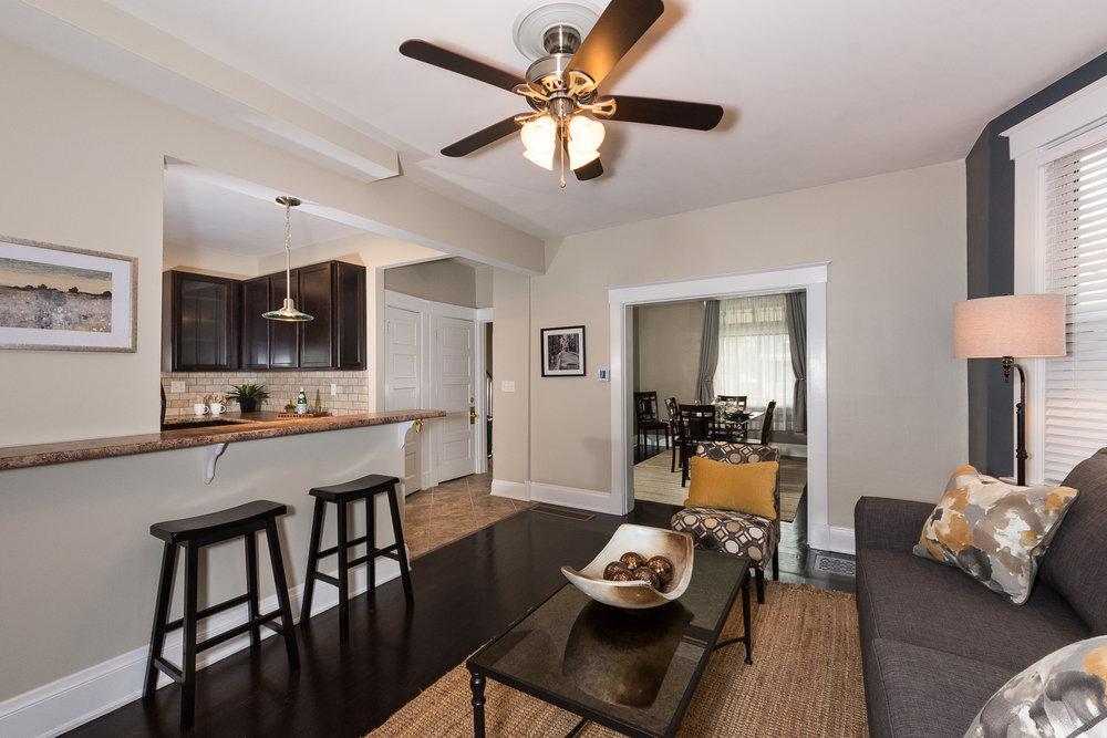 3088 Markbreit Living Room (4).jpg
