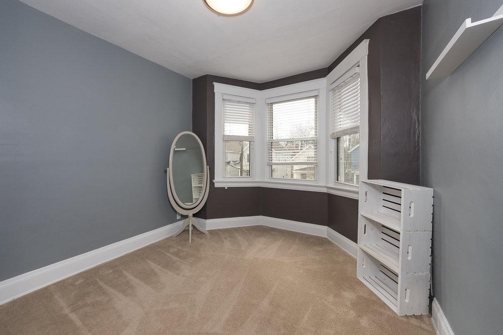 3088 Markbreit Bedroom 1.jpg