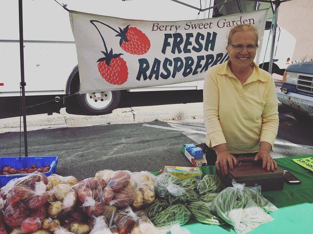 farmersmarket2016-02.jpg