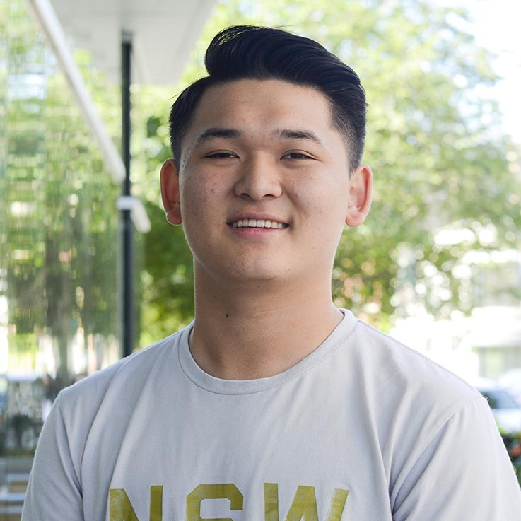 Eric Zhang, 17 - High School Entrepreneur