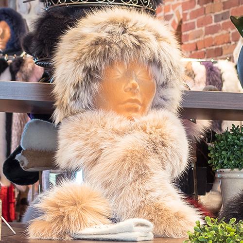 nos-accessoires-fourrure-boutique-nanuk-vieux-montreal-
