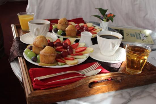 breakfast1e.jpg