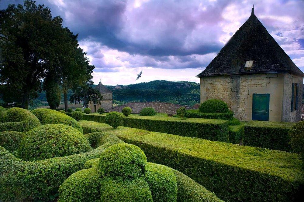 TOPIARY GARDENS, DORDONGE, FRANCE