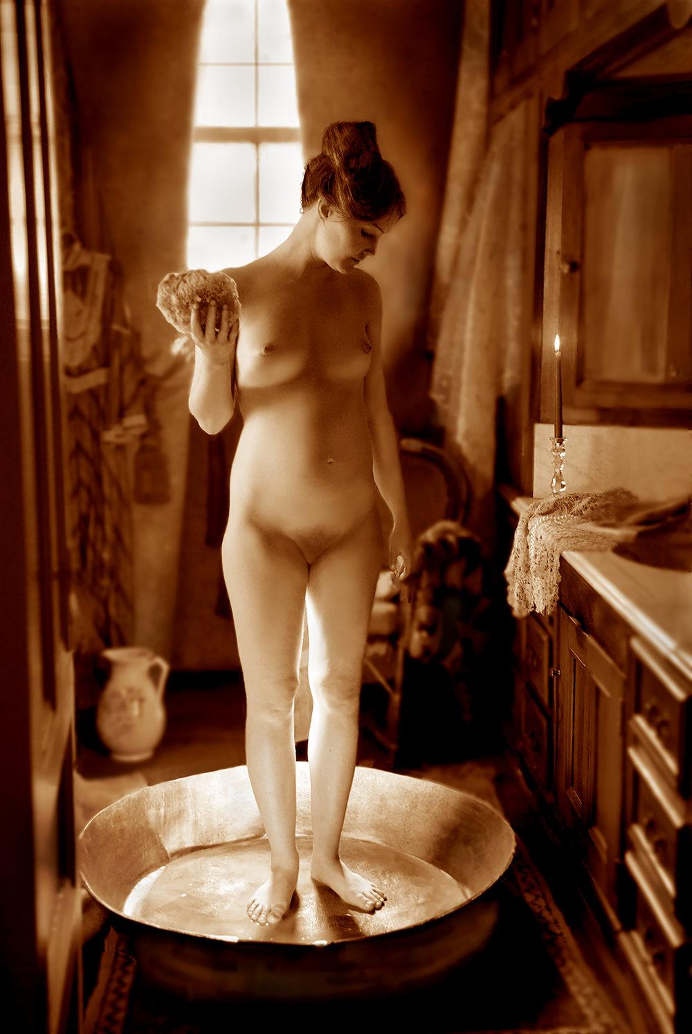 MACKENZIE STANDING, BATH PAN