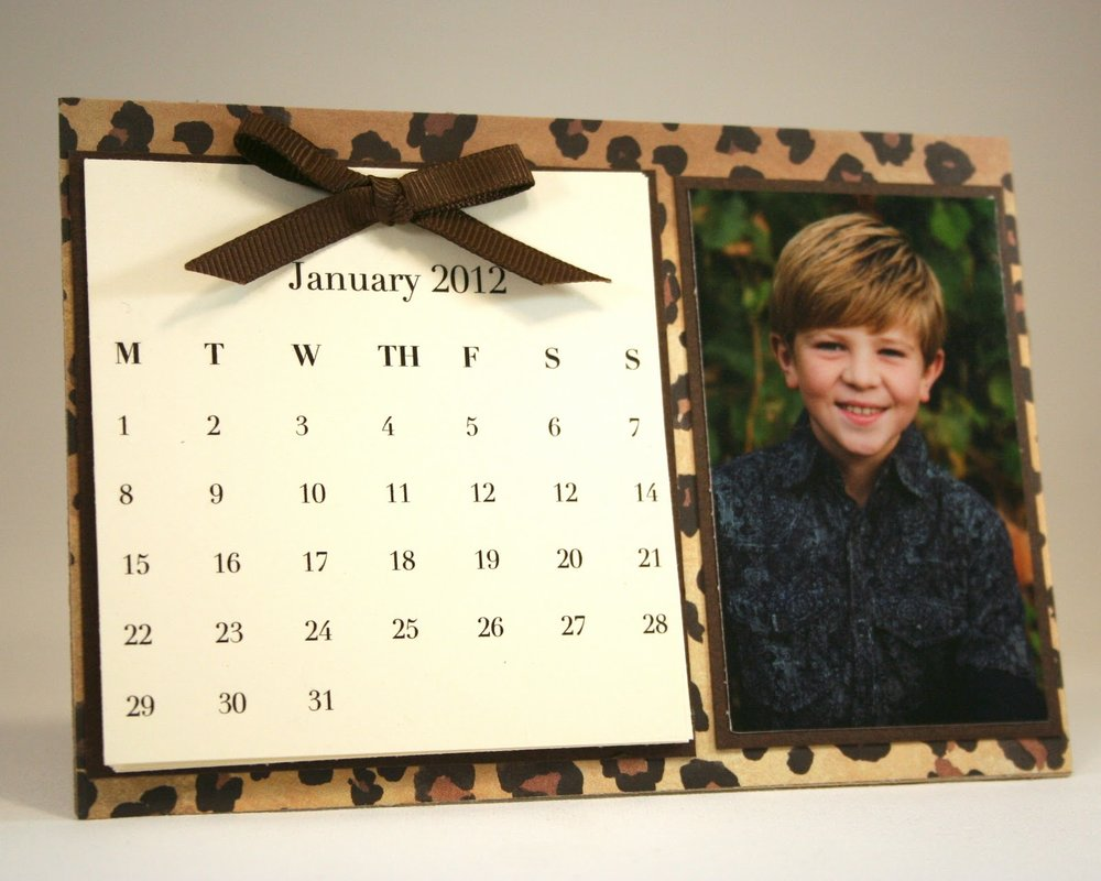 This desk calendar was also created using the   Card And Photo Easel Die .