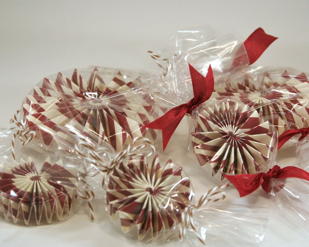Guilt free peppermints?  I think so!  These peppermints were created using the   Rosettes Die   set.  Oh my goodness!  The  Rosettes Die  makes these a SNAP!
