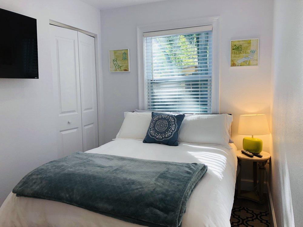 Bedroom2WithCloset.jpg