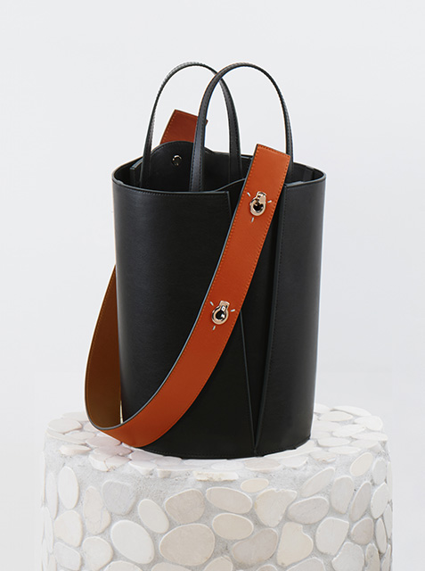 Danse Lente bucket bag