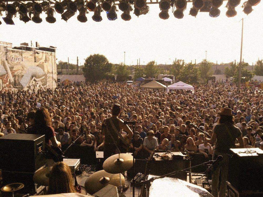 Live at Cabooze Plaze (Minneapolis, MN)